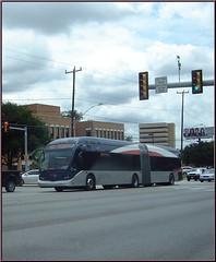 primo (miz bee) Tags: bus via mixture