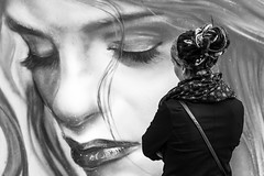 Face to face... (Periades) Tags: street blackandwhite bw streetart art girl blackwhite noiretblanc nb graff fille fresco fresque pourpre