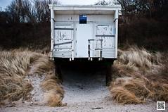 mb12022509.jpg (marek.burns) Tags: winter strand sand haus holz ostsee verwittert marode rerik rustikal rettungsschwimmer abgeplatzt neubukow