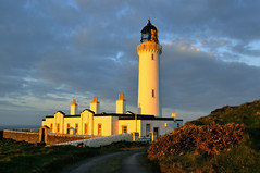 Scotland's most southerly point, The Mull of Galloway (iancowe) Tags: light lighthouse sunrise dawn golden scotland scottish stevenson solway firth dumfries galloway northernlighthouseboard nlb mullofgalloway drummore lighthousetrek wbnawgbsct