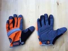 bicycle gloves hack homedepot (Photo: joeball on Flickr)