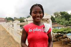 LA PLUS COOL (Andr Pipa) Tags: africa cidade portrait woman caf girl cool plantation slavery fresco trabalho equator roa equador stp cacau frica sotomeprncipe escravatura gulfofguinea agostinhoneto andrpipa golfodaguin photobyandrpipa riodeouro