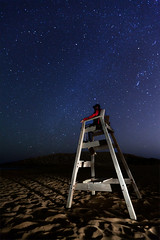 Looking a Star!! (raul_lg) Tags: sky lightpainting canon stars playa arena murcia cielo estrellas nocturna vigilante calblanque vialactea milkway canon1635 maglite3d raullg