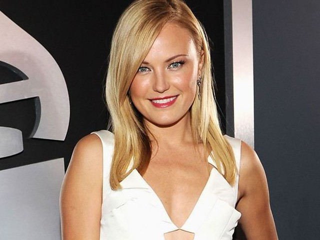 MALIN AKERMAN (2)