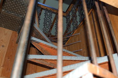 """escalera • <a style=""""font-size:0.8em;"""" href=""""http://www.flickr.com/photos/15692111@N00/6896150431/"""" target=""""_blank"""">View on Flickr</a>"""