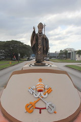 Pope's Goodbye (stelih) Tags: pope island pacific johnpaul guam oceania galeta northmarianaislands usprotectorate