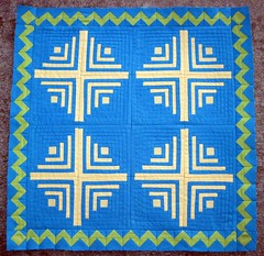 DQS12 Log Cabin with Flying Geese ZigZag Border (Blue.Ridge.Girl) Tags: quilt mini logcabin solids flyinggeese paperpieced foundationpieced dollquiltswap blueridgegirl dqs12