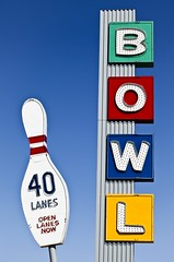Linbrook Bowl (TooMuchFire) Tags: signs typography neon bowl bowling type canon5d anaheim typeface neonsigns midcentury bowlingpin oldsigns vintagesigns vintageneonsigns vintagesignage bowlingalleys linbrookbowl vintagetype signporn vintagetypography lightroom3 canon5dmarkii neonporn toomuchfire 201sbrookhurststanaheimca