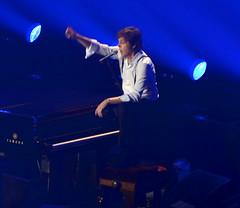 Paul McCartney in Milan (fede_gen88) Tags: november music milan concert nikon gig livemusic sing singer beatles thebeatles paulmccartney 2011 d5100