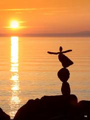 Sunset (Heiko Brinkmann) Tags: bodensee equilibrium lakeconstance rockbalance langenargen gleichgewicht flickraward steinbalance hickoree sunsetsonnenuntergang