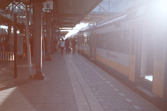 Meetzoeker_014 (burobraaf) Tags: analog train landscape ricoh trein viewfinder analoog meetzoeker