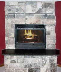 Midnight Castle Rock (Buechel Stone) Tags: stone fireplace hearth mantel naturalstone stonemasonry buildingstone stoneveneer stoneexterior thinveneer buechelstone fullveneer