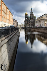 The Church of the Savior on Spilled Blood and its reflect on the canal (Jean-Phi92) Tags: longexposure church clouds cloudy fb wideangle nuages eglise expositionlongue grandangle objectifs sigma1020mmf35 natureetpaysages edificesreligieux cielmto canon7dmarkii objetselmentsettextures textureseffets architectureetbatiments refletsmiroir
