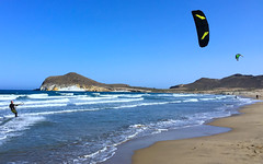 Kitesurf en playa Genoveses, parque natural Cabo de Gata, Almería. (eustoquio.molina) Tags: kitesurf kite surfing playa genoveses parque natural cabo gata almería deporte cometa