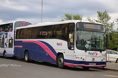 Stopping Short (The One) (20508) (Strathclyder) Tags: street scotland volvo glasgow first dumbarton osborne paragon 208 plaxton 20508 firstglasgow b12m cv27 firsteasterncounties ao02rcz ao02 barbielivery