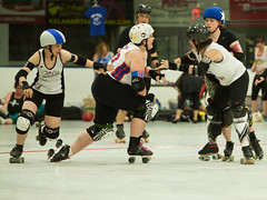 IMG_0447 (clay53012) Tags: ice team track flat arena madison skate roller jam derby league jammer mrd bout flat wftda derby womens track hartmeyer moocon2016