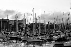 Barcelona Harbour at Sunset (satishsa) Tags: barcelona harbour boats spain yatch sailing dock docks