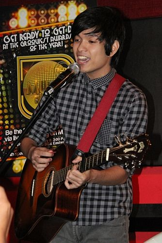 Nominee Somedaydeamperforms during the MMA 2012 announcement of nominees (Photo by Allan Sancon)