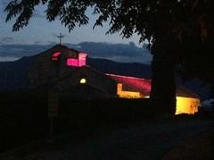 15.09.2012: nächtliches Lichtspiel an der Dorfkirche von Jujols