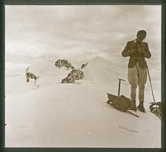 Sommet de la Tte Carre, Mont-Blanc - 1936 (Yannick Michel) Tags: alps 1936 alpes summit montblanc frenchalps sommet alpinist alpiniste ttecarre rolleicordartdeco positiveglassplate