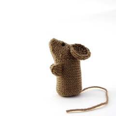 Mouse 2 (nattyknitsclare) Tags: brown mouse knitting small knit knittingpattern etsy knitted independentdesigner ravelry