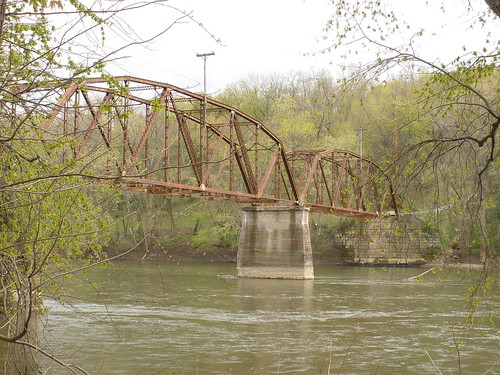 Stillwell Road bridge over the Muskingum River.soon to get the scrapper