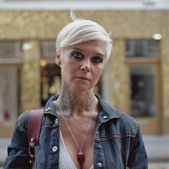 (universal76) Tags: street portrait london 120 kodak soho streetportrait ps sp bronica 400 medium format portra 000 mittel 80mm moyen sqai lexingtonstreet zenzanon autaut owenmelbourneguardianportfolio