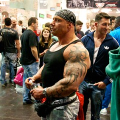 FIBO Visitor (HardieBoys) Tags: germany essen expo bodybuilding alemania fibo bodybuilder 2012 culturismo culturista