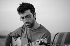 A la guitarra I (scar Daz) Tags: portrait blancoynegro countryside guitar retrato guitarra bn flamenco spanishguitar campia guitarraespaola