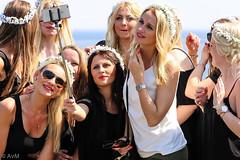 Mega selfie flower girls (Ramireziblog) Tags: flowers girls woman flower beautiful blondes posing bling mega selfie