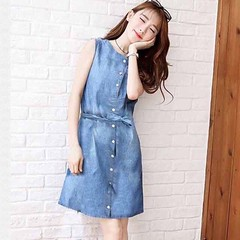 ชุดยีนส์สั้น เอวผูกโบว์คอกลมน่ารักมากแฟชั่นเกาหลีแขนกุด Denim Dress นำเข้า - พร้อมส่งTJ7719 ราคา490บาท LINE User ID : @lotusnoss และ lotusnoss.com โทรสั่งของกับ พี่โน๊ต/พี่เจี๊ยบ : 083-1797221 และ 086-3320788 เข้าชมและสั่งซื้อสินค้าได้ที่ : http://www.lot