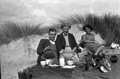 1940's Picnic (NZGandG) Tags: newzealand beach milk seaside sand picnic tea nz billy westcoast teaset persil marramgrass ammophila gaenor