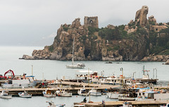 Cefal harbour, Sicily -1 (alh1) Tags: italy castle ruins rocks sicily atg cefal