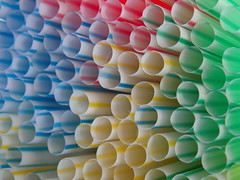 bending straws (...be creativ make a photo) Tags: color detail macro art kunst rund bunt nahaufnahme farben rohre strohalme bendingstraws