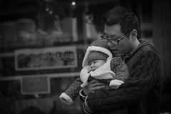 ADF_20140301_0562-2 (chiyowolf) Tags: chengdu sichuanprovince canoneos7d china ef70200mmf28lisiiusm streetscenes facesofchengdu peopleofchengdu portrait toddler baby fatheranddaughter parenting fatherandchild chubbycheeks 中国 travelphotography 成都 四川
