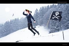 Die Rothaarige sucht die Karibik (lenablue) Tags: schnee sun snow tree forest skull see looking flag gull snowstorm levitation pirate caribbean redhair sonne wald baum suchen projekt pirat totenkopf schneesturm mve karibik sehen
