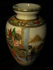 Chinese Pot (bigbirdma) Tags: urn pot chinesepaintings chinesemotifs