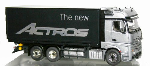 NZG New Actros (1)