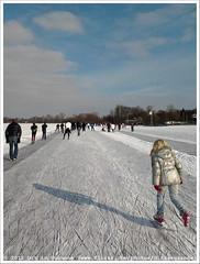 * (Dit is Suzanne) Tags: shadow lake netherlands meer iceskating nederland v schaduw paterswoldsemeer schaatsen haren   toertocht natuurijs paterswoldermeer views150 ditissuzanne     samsunggalaxygio 11022012 201202111424schaatsen