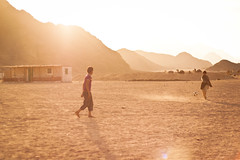 Bedouin kids (Andrew Bro) Tags: people sunshine kids football desert camel bedouin etno bedouine