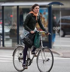 Copenhagen Bikehaven by Mellbin - Bike Cycle Bicycle - 2012 - 5234 (Franz-Michael S. Mellbin) Tags: street people fashion bike bicycle copenhagen denmark cycling cyclist bicicleta cycle biking bici 自行车 velo fahrrad bicicletas vélo sykkel fiets rower cykel 自転車 accessorize copenhague サイクリング デンマーク サイクル мода велосипед 哥本哈根 コペンハーゲン 脚踏车 biciclettes 丹麦 cyclechic cycleculture الدراجة дания копенгаген copenhagencyclechic 骑自行车 copenhagenize bikehaven copenhagenbikehaven velofashion copenhagencycleculture 的自行车