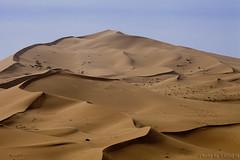 Desert Sand (TARIQ-M) Tags: shadow texture sahara landscape sand waves pattern desert patterns dunes wave riyadh saudiarabia   canoneos5d     canonef70200mmf4lusm       canoneos5dmarkii       tariqm  tariqalmutlaq ripplesripple