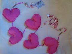Móbile Corações (atelie artes da ale) Tags: corações coração móbile pendurico coraçãotecido enfeitequartomenina patchworktecidopoáarteemtecidoartesanatosemtecidocomprarartesanatosvenderartesanatosopçõesdepresentesenfeitesemtecidoenfeitespresentesdecoração móbilecorações moldecoração