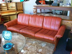 Not Available - Danish-Style Leather Sofa (Mod Livin') Tags: modern vintage design furniture retro 1950s danish 1960s 1970s eames georgenelson hermanmiller knoll saarinen midcentury danishmodern scandinaviandesign