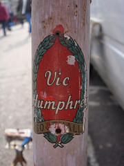 Vic Humphrey (of Southall) head badge/transfer (Abaraphobia) Tags: english bike bicycle vintage cycle british fixie fixedgear decal transfer southall trackbike headbadge fixedwheel nervexlugs 531tubing mavicrims atomhubs vichumphrey
