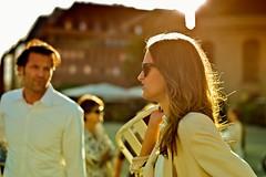 sunset couple at diner en blanc (Winfried Veil) Tags: leica berlin germany deutschland 50mm veil streetphotography rangefinder allemagne summilux asph winfried m9 gendarmenmarkt 2011 messsucher dinerenblanc mobilew leicam9 winfriedveil