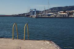 Para LVM { amarillo } # 3 (xavier jordana torrens) Tags: sea azul port de puerto la mar agua barco amarillo cielo catalunya yelow grua sant aigua tarragona groc velero carles barandilla barana lvm larapita rapita mont´ña