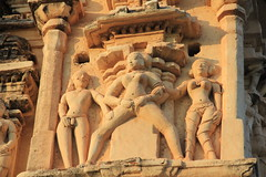 IMG_4894 (Lucia Bolivar) Tags: india mujer templo hampi piernas abiertas grabado virupaksha genitales