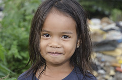 slum girl (karlhans) Tags: poverty charity girl child philippines cebu pinay filipina slum dumpsite kulüke fatherheinz
