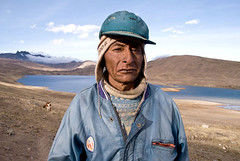 apoobamba (Pierre Kapsalis) Tags: voyage travelling southamerica landscape bolivia worker indians paysages reise mineur bolivie indiens goldmine amriquedusud travailleur amerindians highmountain hautemontagne cordillredesandes goldprospector cordillereapolobamba chercheurdor minedor